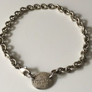 Tiffany & Co. Oval Tag Choker Necklace (authentic)