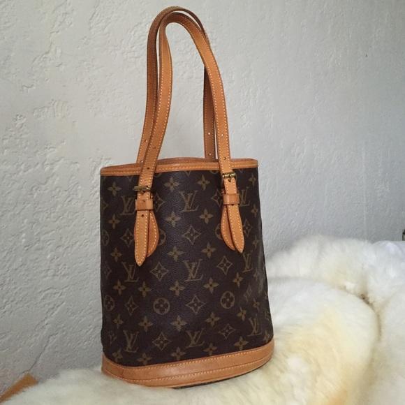 Louis Vuitton Handbags - Louis Vuitton small bucket bag authentic monogram 49e22955e8185