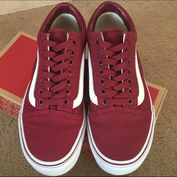 Burgundy low top vans (Old Skool). M 575f5f7df739bc5c26012c46 a48b170ff
