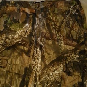 Camouflage mossy oak pants nwt