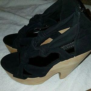 Deena & Ozzy Shoes - Black Suede💥Flash Sale