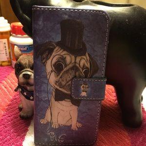 Cute pug wallet brand new . It fits I phone 6 .