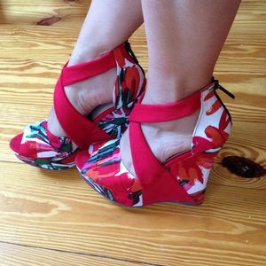 Michael Antonio wedges size 7