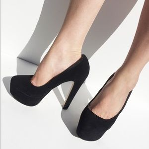 KURT GEIGER mega heels