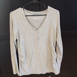 Gap maternity top ⭐️