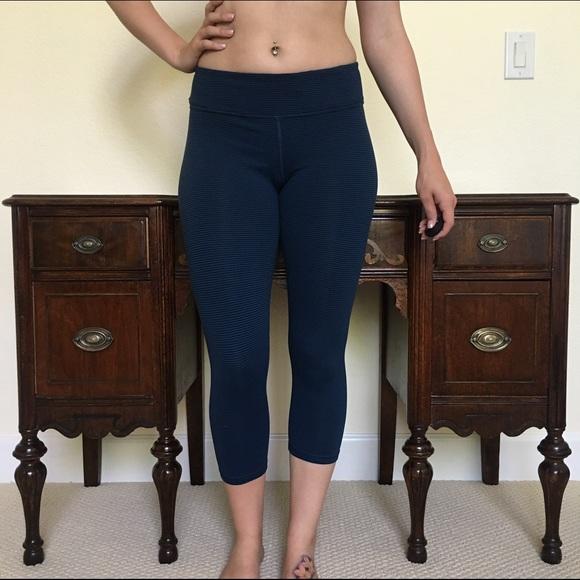 638a2355057cf American Eagle Outfitters Pants - American eagle workout pants medium