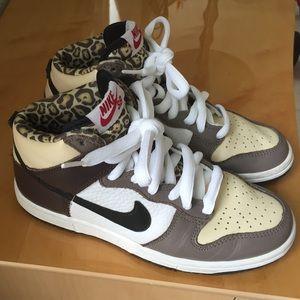 418d283a621 Nike Dunk High Pro SB Ferris Bueller Leopard