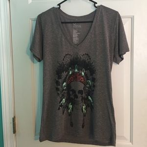 Gray t-shirt with Indian skull