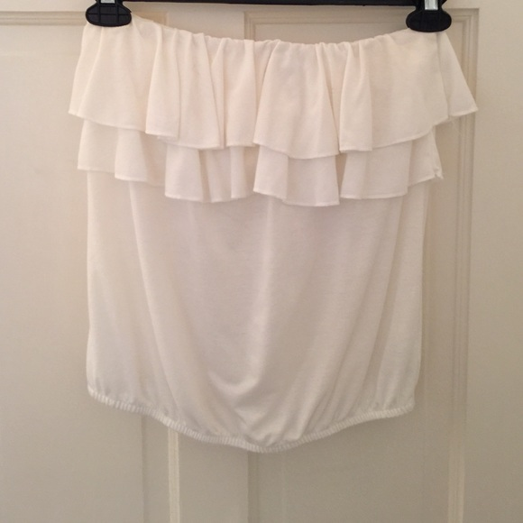 9cbad85cd8 American Eagle Outfitters Tops - white ruffle tube top