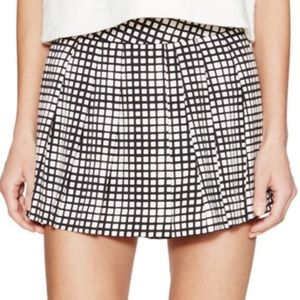 L'agence Checked Pleated Shorts