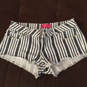 Almost famous striped shorts size 5