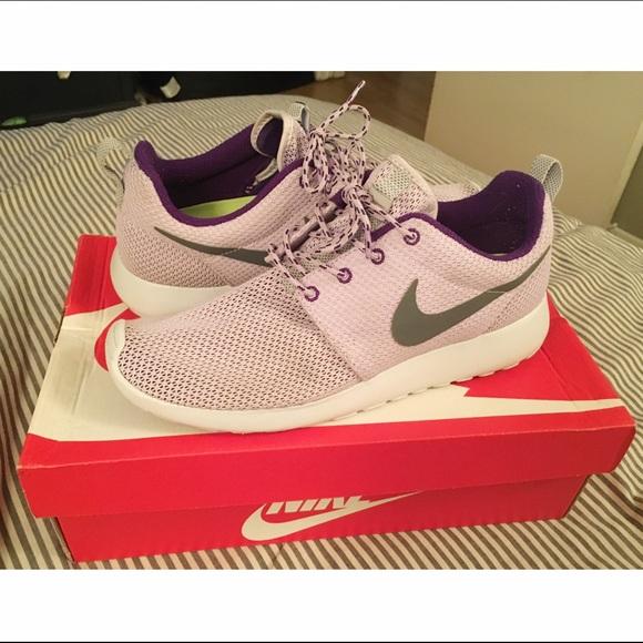 brand new 400b2 612d6 Nike violet frostpurple dynasty Roshe Run 8.5