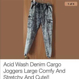 Denim - Acid wash cargo stretchy jeans joggers