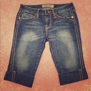 Hint brand Bermuda shorts size 5