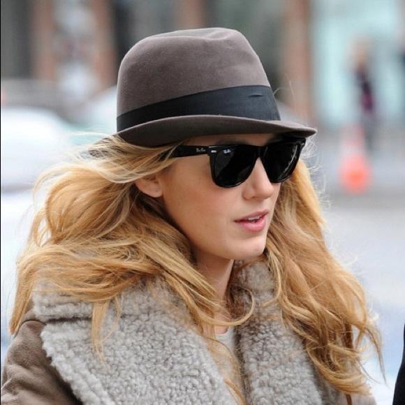 Classic black women s Wayfarer sunglasses. M 576209ce7fab3a6086004545 3d0e2a7e89