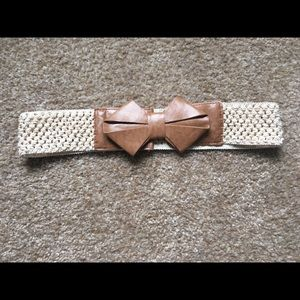 Accessories - Belt with a bow