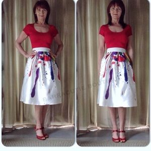 Dresses & Skirts - NEW WHITE ABSTRACT ART SKIRT