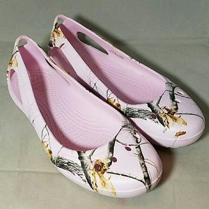 crocs Shoes - CROCS Sz 8 Pink Realtree Camouflage Sandals Shoes