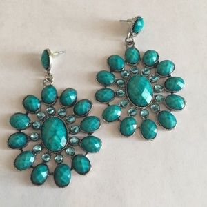 White House Black Market Jewelry - Turquoise stone drop earring 👧