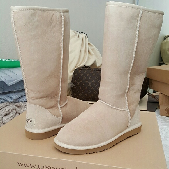 new uggs size 8