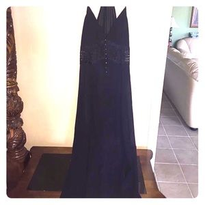 Long black maxi with lace