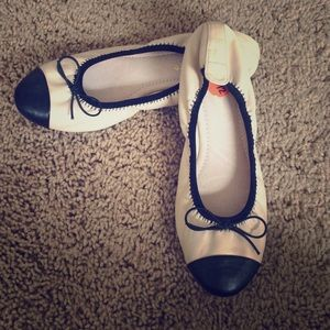Shoes - Cream and black flats size 9.5