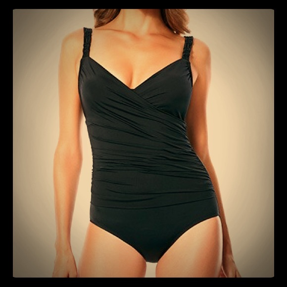 38d29dda26 Jantzen Other - Jantzen One-Piece Black Wrap Vneck Swimsuit Sz 16