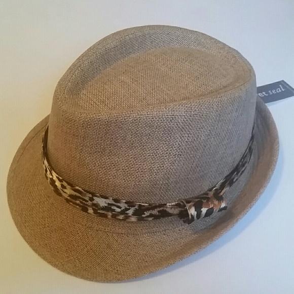 1868eef3ec3  FINAL PRICE   NWT  Fedora Hat