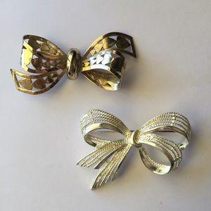Vintage Brooch Set - Silver Bows