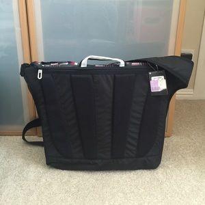 1b3ef954d1398c Jordan Bags - 💥NWT💥 Jordan messenger bag