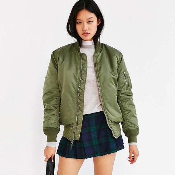58819db01 Green bomber jacket ( URBAN OUTFITTERS)