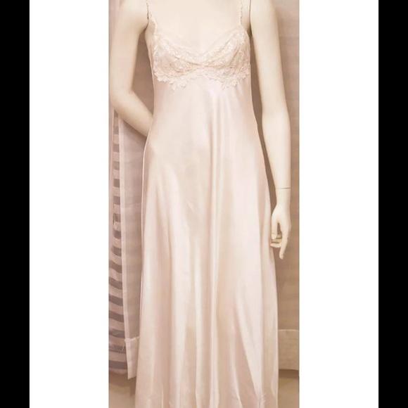Diane Samandi Neiman Marcus Other - Bridal lingerie Diane Samandi Neiman  Marcus sz  S 05c209444