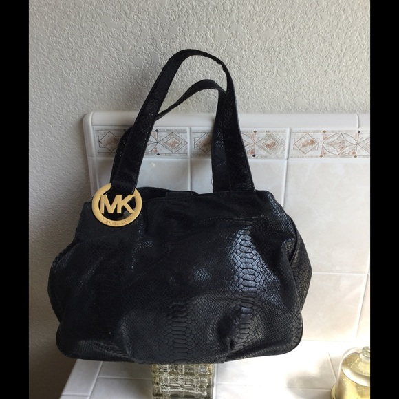 52eabb2be14e Rare Michael Kors Fulton E/W Tote in Black