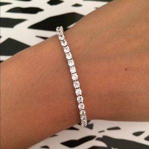 Jewelry - 🌺HP🌺 Crystal Diamond Tennis Bracelet 💎