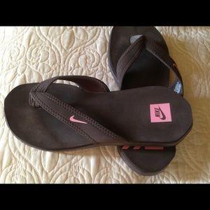 Nike Flip Flops - Summer Fun!