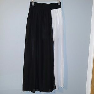 Dresses & Skirts - Long skirt with cut out