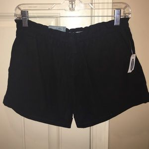 Black Old Navy linen shorts