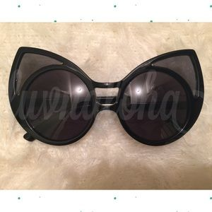 Super Duper Bold Cat Eye Sunglasses