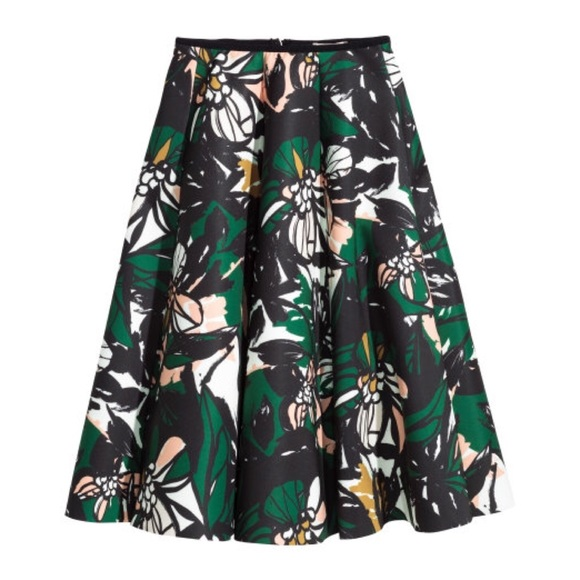 H&M Dresses & Skirts - Patterned Scuba-Look Midi Skirt in Black Floral