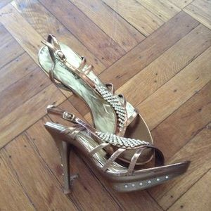 Delightful Designs Shoes - NWT Gold and Jewel encrusted Delicacy Lizzy Heels