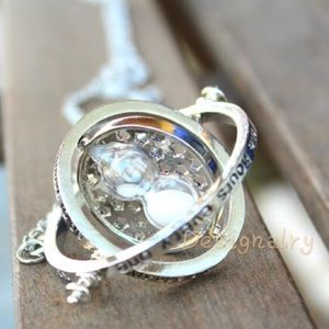 Jewelry - Harry Potter hourglass time turner necklace