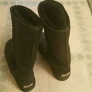 Shoes - Women's ugg size 10 black