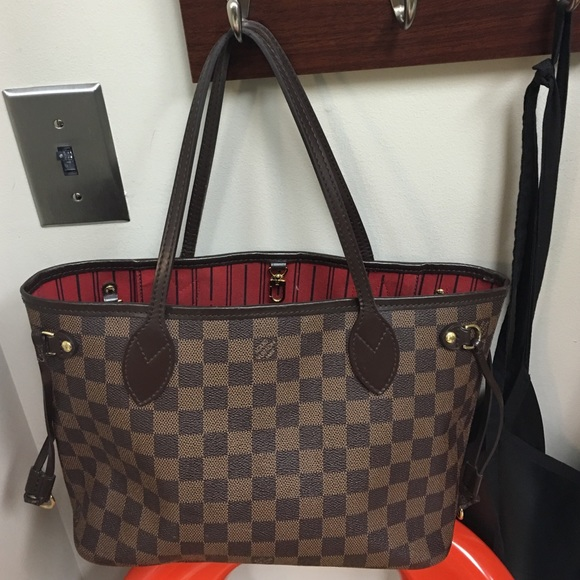 dc6fe41b8ef4 Louis Vuitton Handbags - Selling my Louis Vuitton Neverfull PM (small).  queenaya1. queenaya1Updated Apr 23 ...