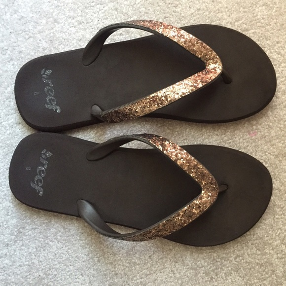 8b504229470 Reef Brown Glitter Flip Flop Sandals Size 8. M 576581547fab3a94c90196c0