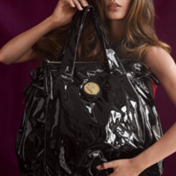 5ee57277b91 Gucci Handbags -  2900 Auth GUCCI hysteria large black liquid tote