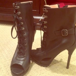 lace up heeled open toe boots