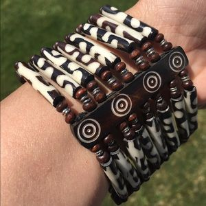 Jewelry - Beautiful Wood Carved Elastic Bracelet from Africa