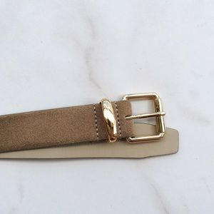 C.Wonder leather belt.