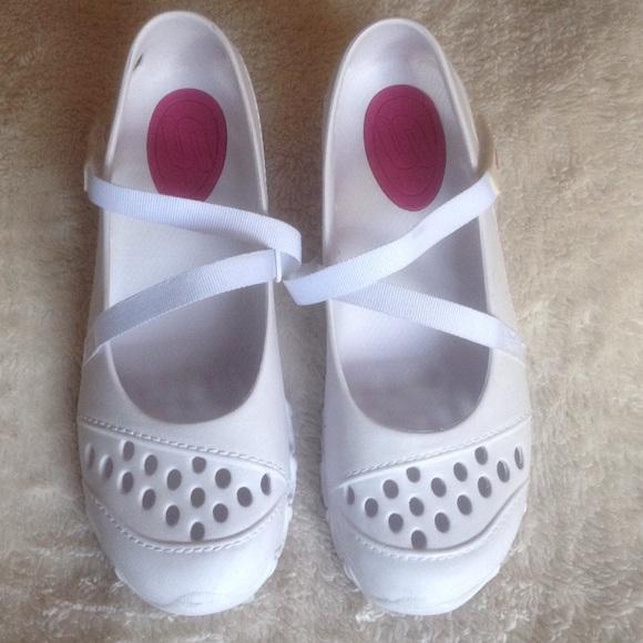 Drop Skechers Croc Style Shoe Sz