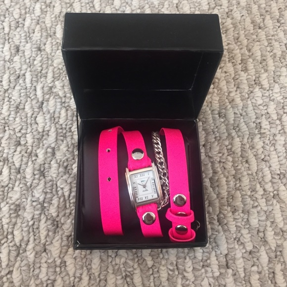 La Mer Accessories - SALE❗️La Mer Hot Pink + Silver Chain Wrap Watch